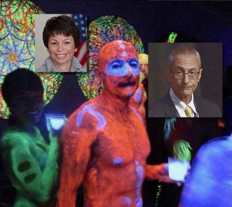 podesta-jarret-smocking